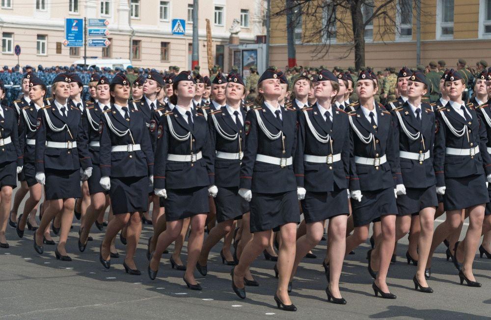 Как устроиться на работу девушке в армию работа для девушек без опыта в краснодаре